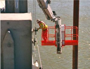 workman in a Boom Lift - skyjack 66Tk